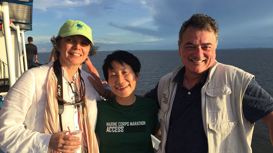 Right to left: GEF Director of Programs Gustavo Fonseca, GEF CEO and Chairperson Naoko Ishii, and GEF Director of Strategy and Operations Francoise Clottes, on the Tapajos River in the Brazilian Amazon
