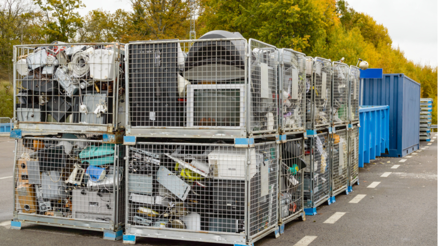 With backing from the Global Environment Facility, the Government of Nigeria has joined forces with UN Environment and partners to turn the tide on e-waste, under the Circular Economy Approaches for the Electronics Sector in Nigeria project. Photo: Imfoto/Shutterstock.