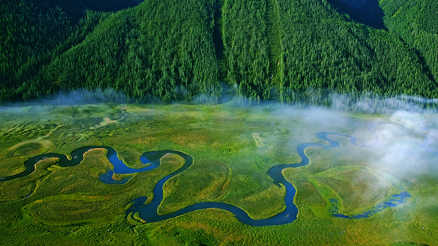 The Altai Project is harmonising development projects by strengthening the province's legal and institutional capacity for enhanced protection of wetland ecosystems, through protected area planning and management. Photo: UNDP China.