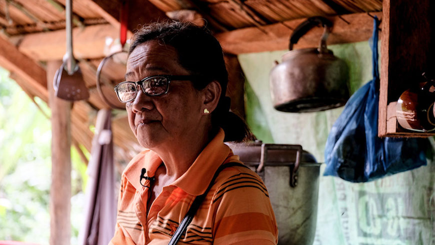 Charito Elcano, 60, lost her son and brother due to mercury poisoning. (Photo by Veejay Villafranca for UN Environment)