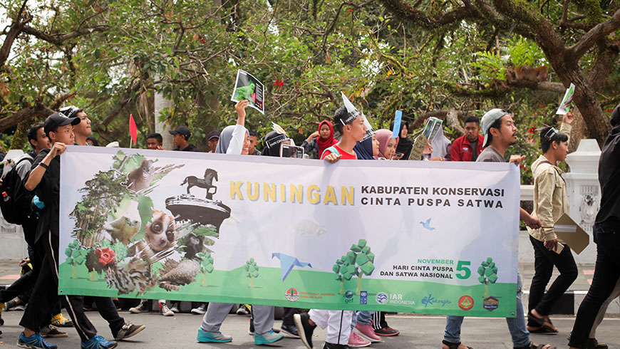 Parade to protect wildlife in Ciamis Regency, Indonesia. Photo: IAR Indonesia.