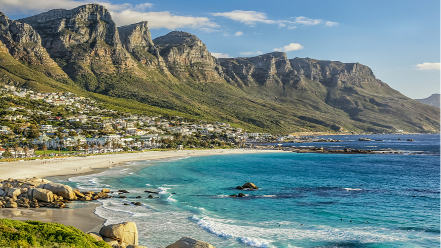 The beautiful city of Cape Town, with its gorgeous mountains white sand beaches and clear blue water